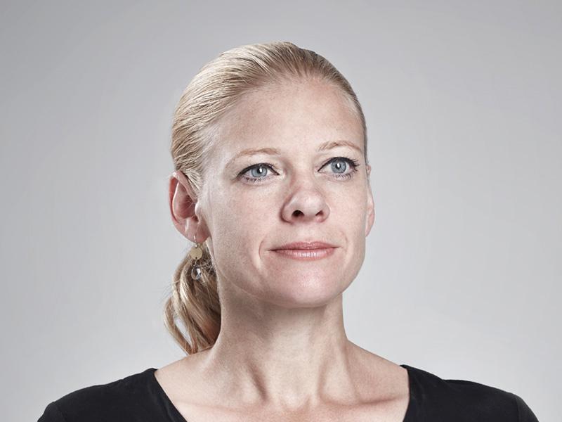 SUZANNE MOLLIET